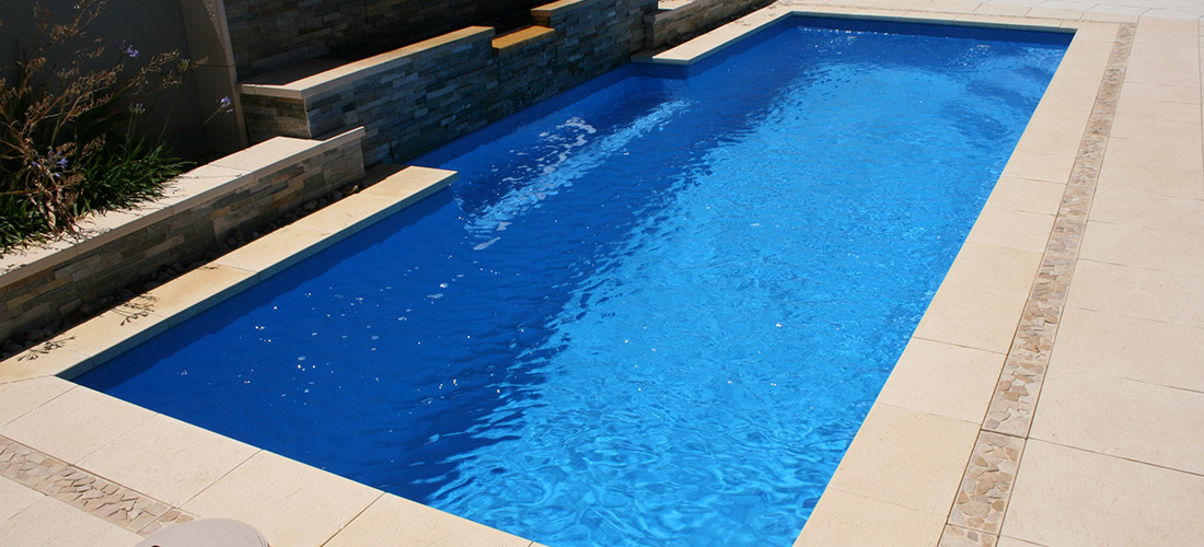 Chateau fibreglass swimming pool 8m x 3m gary west pools for Swimmingpool 3m